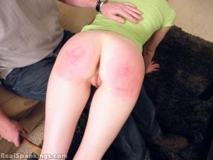 dad spanks her