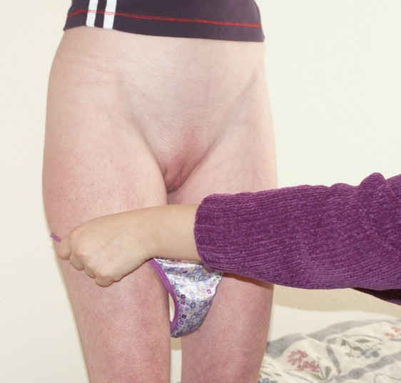 Over Moms Knee! 4 - Scarlett Hills SPANKING