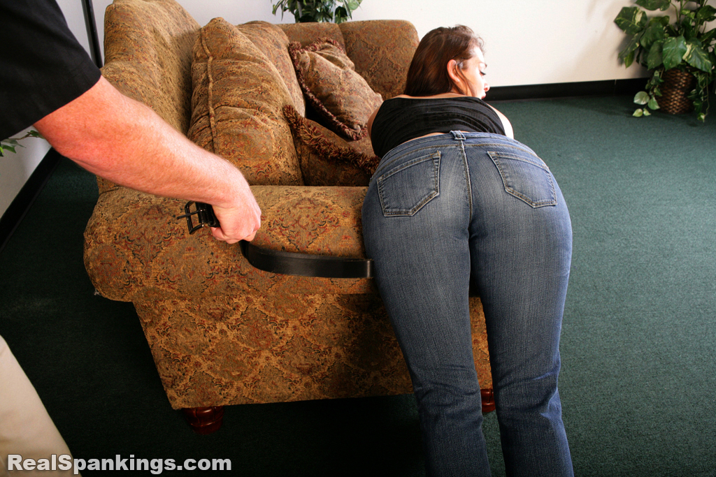 Isso que daughter spanking by dad